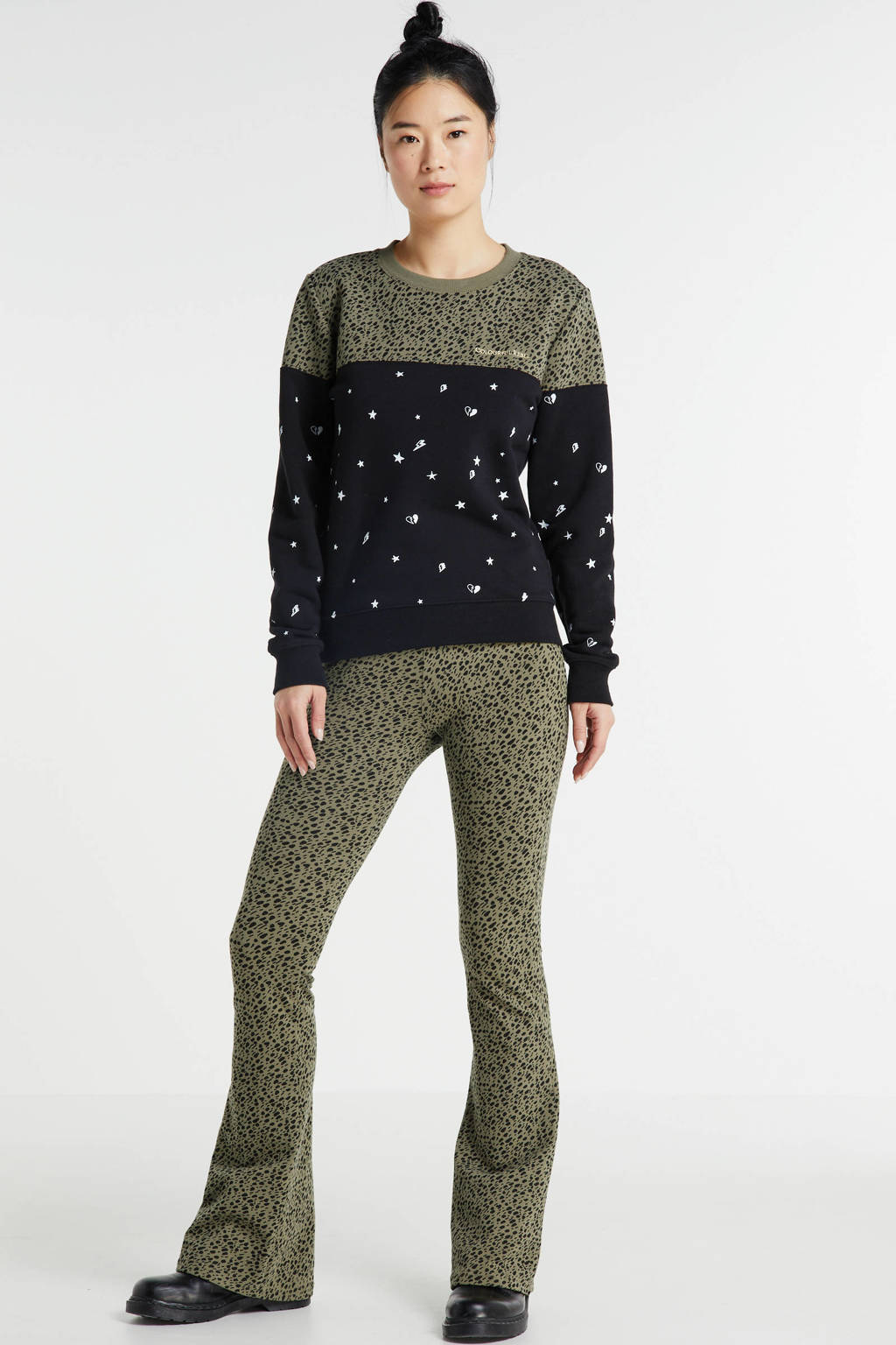 Colourful Rebel flared broek Leopard Dot met dierenprint kaki, Kaki