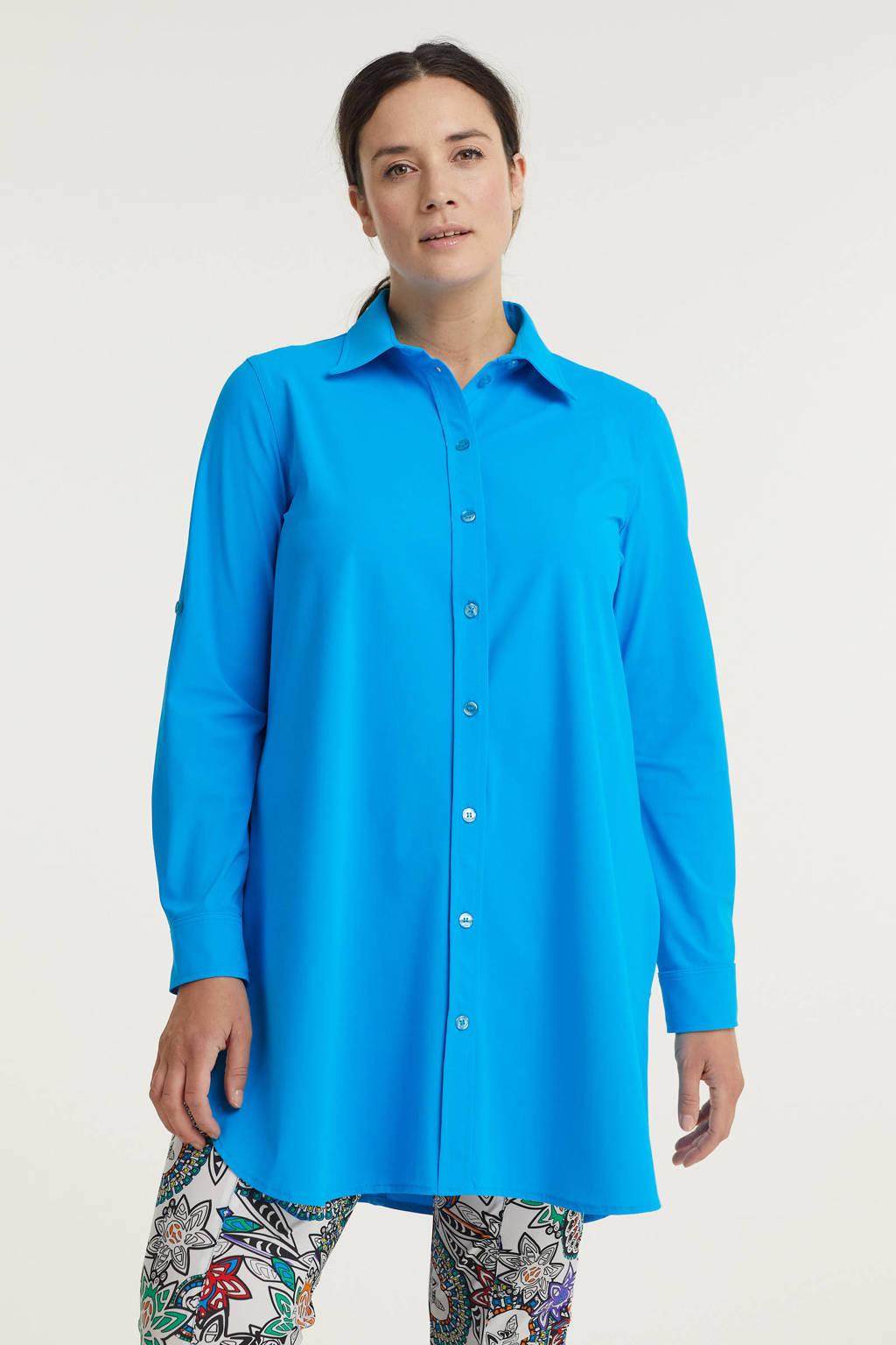 Plus Basics blouse van travelstof blauw, Blauw