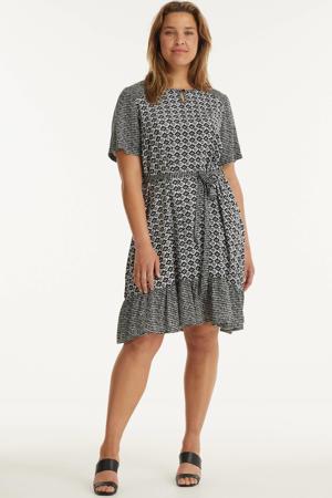 jurk FINA  met all over print en volant zwart/wit