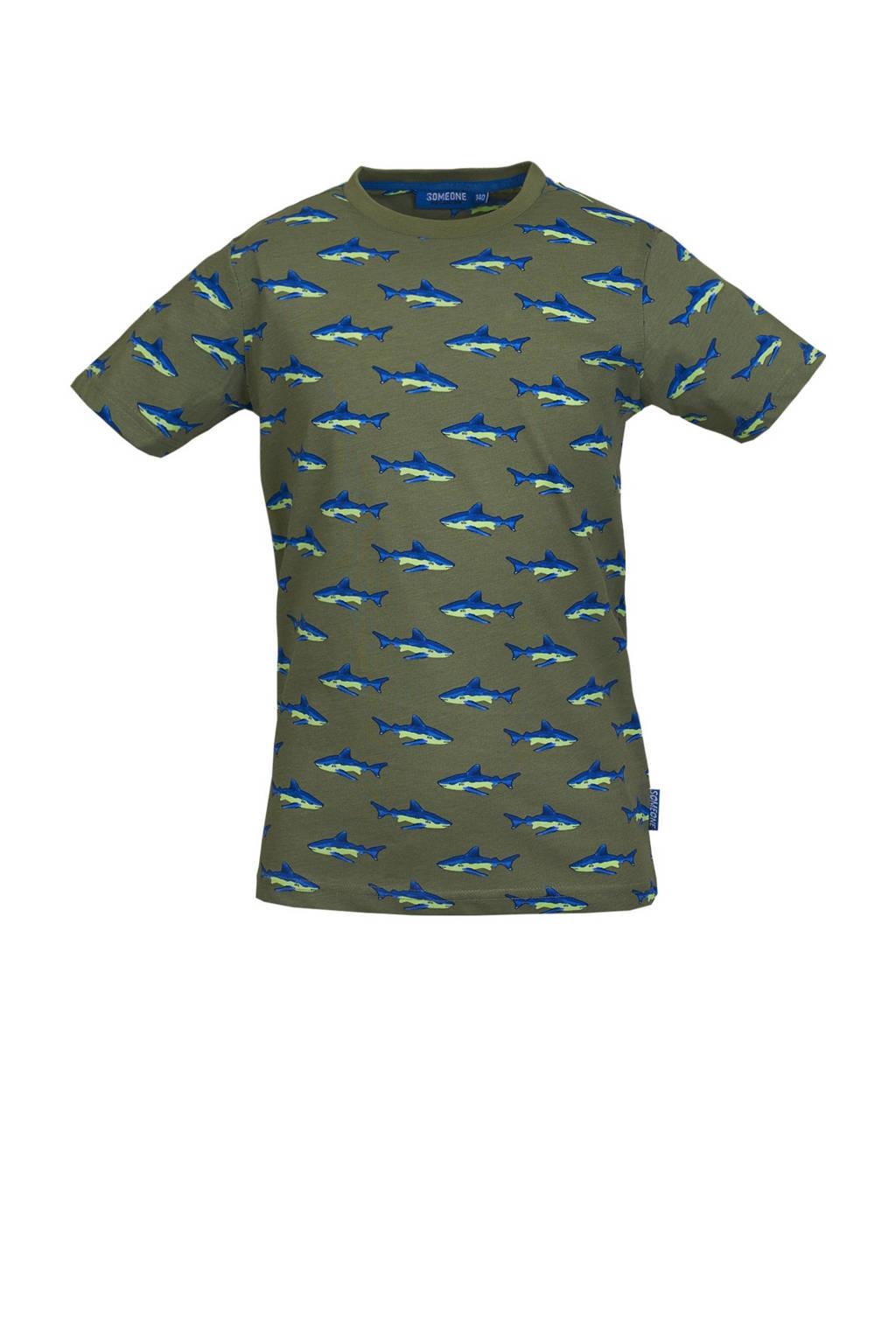 Someone T-shirt Jawsy met all over print kakigroen/blauw, Kakigroen/blauw