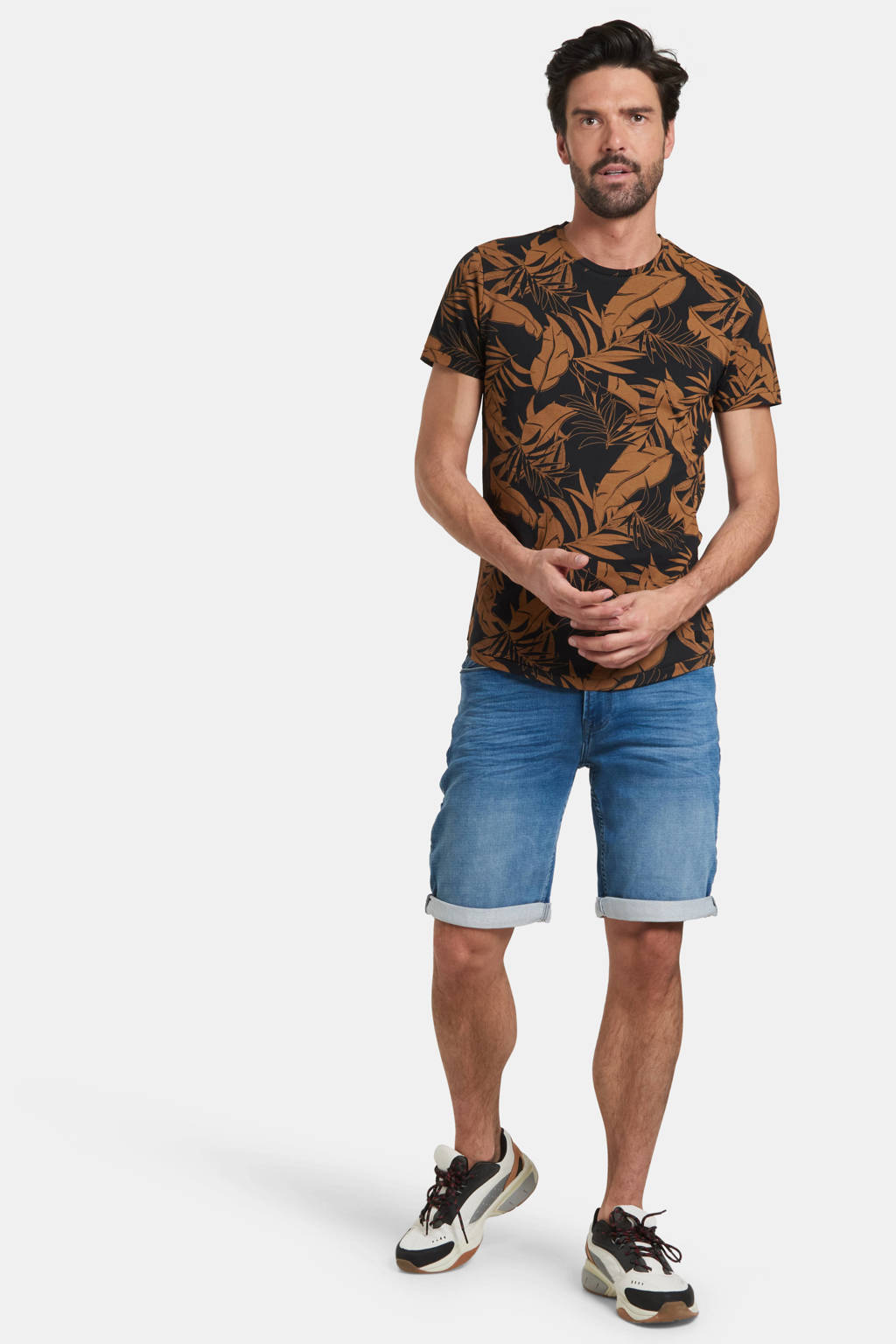 Refill by Shoeby T-shirt Tristan met all over print zwart/bruin, Zwart/bruin