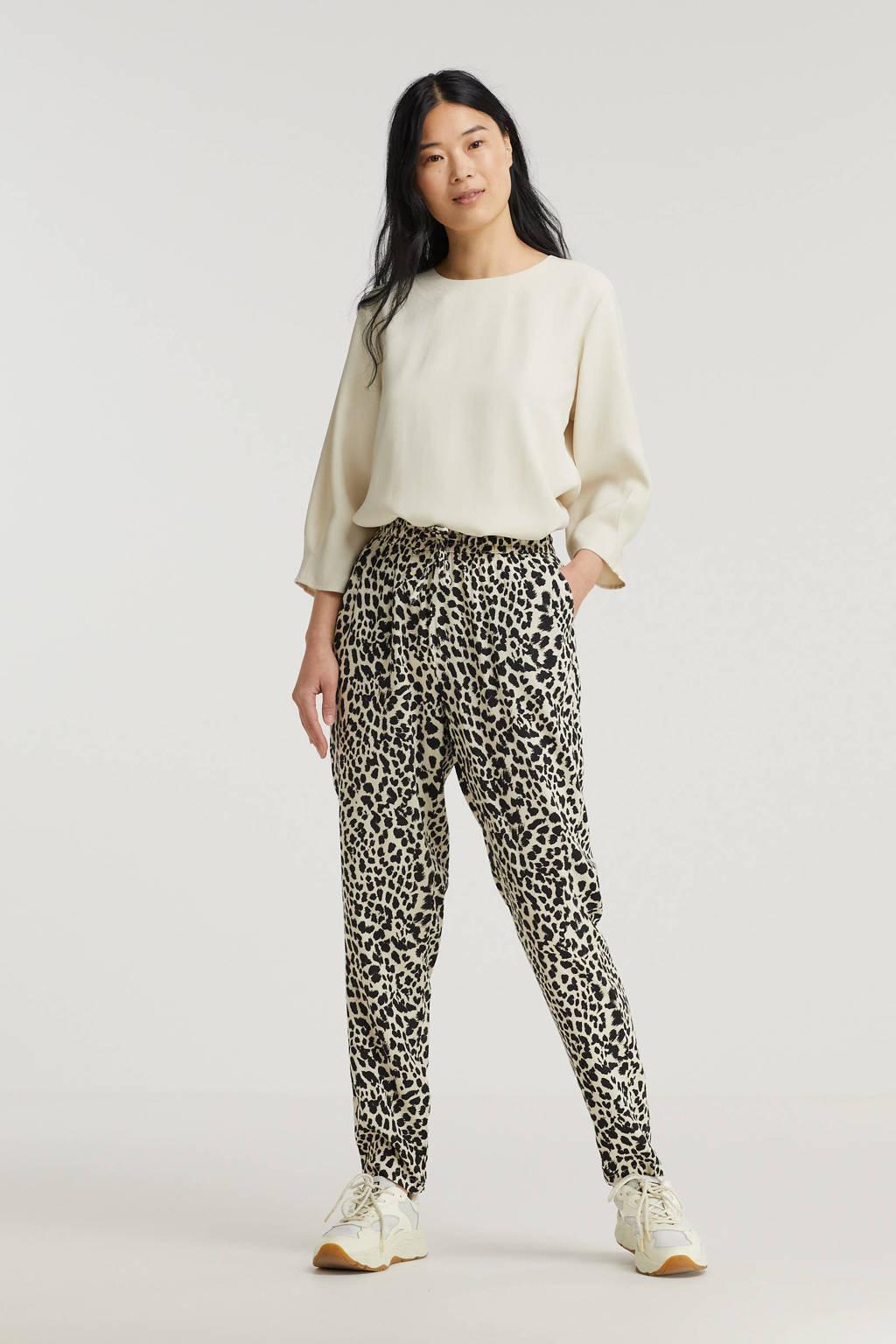 B.Young tapered fit broek BYMMJOELLA met all over print beige/zwart, Beige/zwart