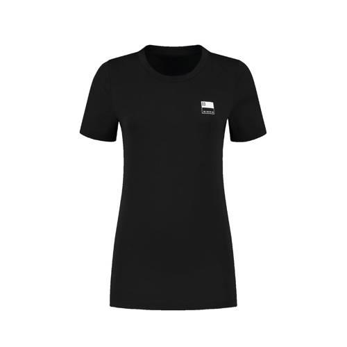 NIKKIE basic T-shirt N met logo zwart