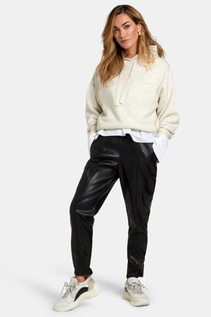 imitatieleren regular fit broek Leatherlook zwart