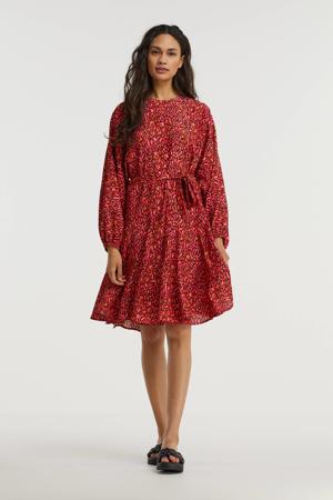 jurk met all over print en ceintuur rood