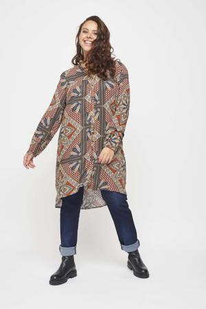 semi-transparante jurk met all over print en volant rood/lichtgeel/bruin