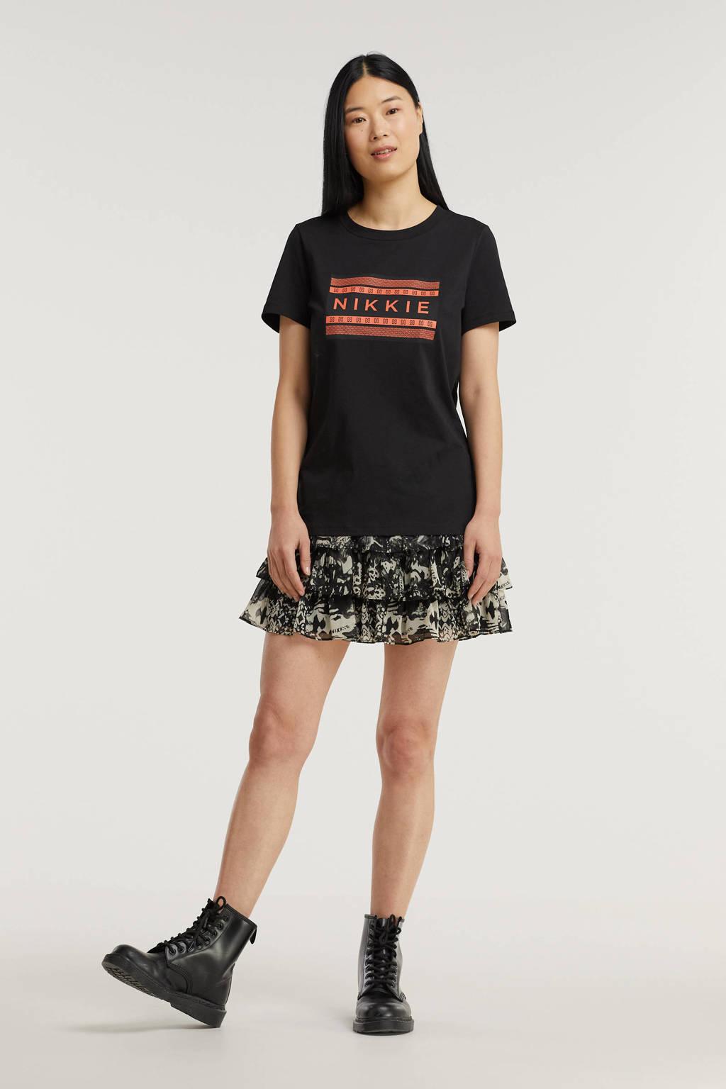 NIKKIE T-shirt met logo zwart, Zwart