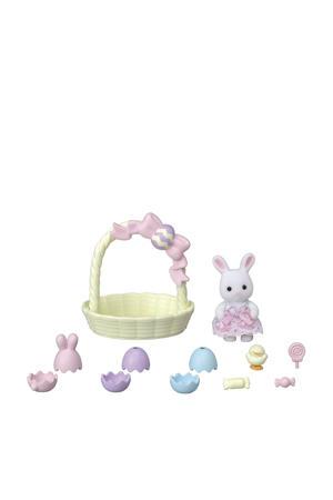 Baby konijn in mandje