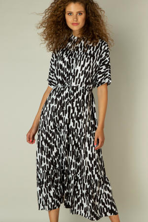 jurk Immy met all over print en ceintuur wit/zwart