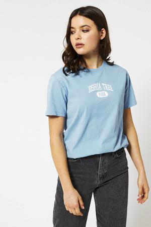 T-shirt met tekst blauw