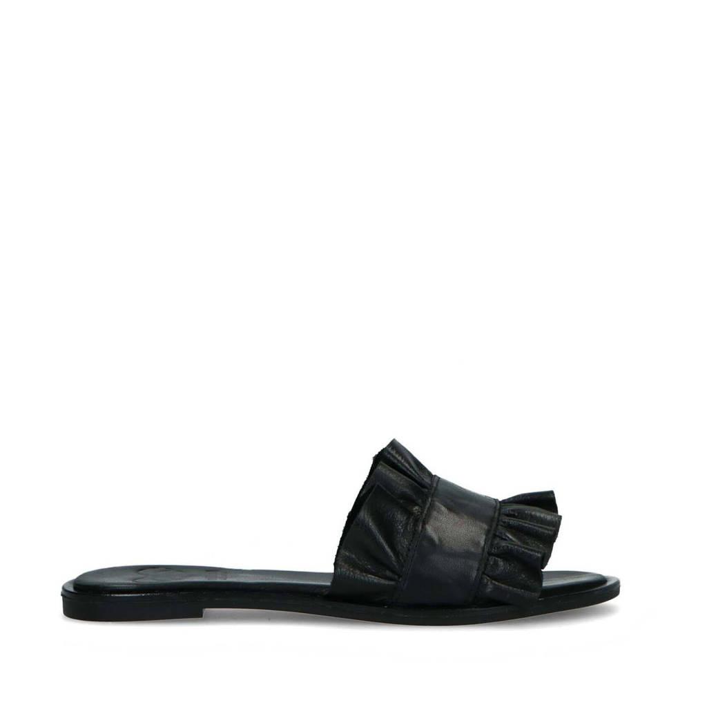 Mrs Keizer by Manfield   leren slippers met ruffles zwart, Zwart