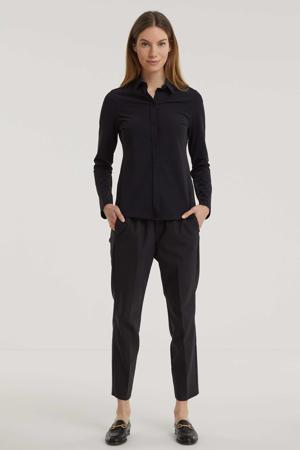 blouse Xanta van travelstof zwart