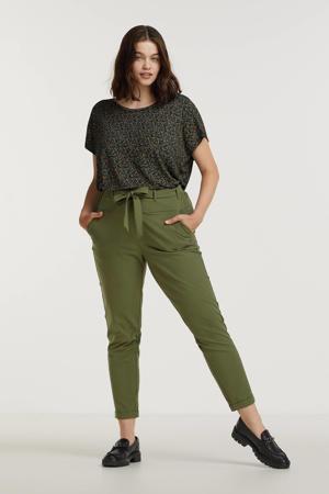 T-shirt JAYDA met all over print en plooien zwart/groen/roodbruin