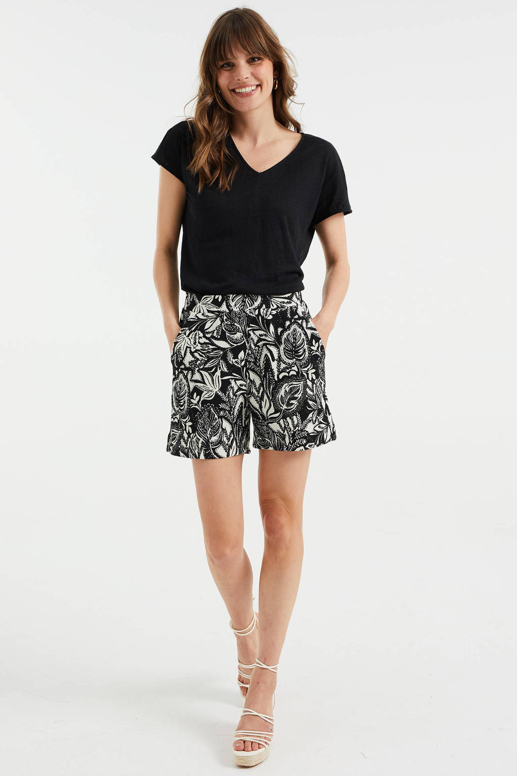 WE Fashion high waist straight fit short met all over print black dessin, Black Dessin