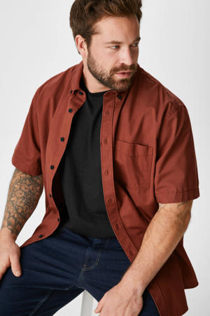overhemd + T-shirt bruin