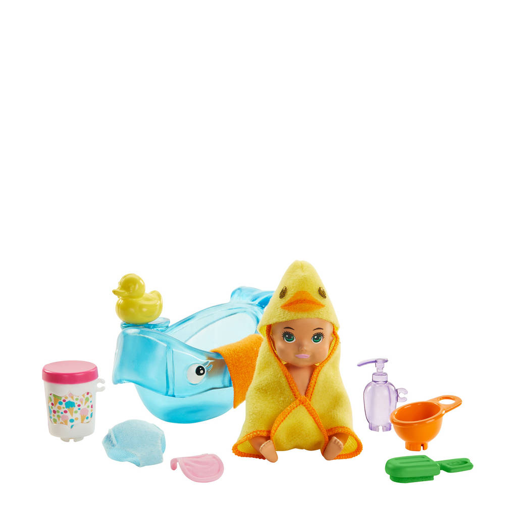Barbie Family  Skipper Babysitter Badtijd