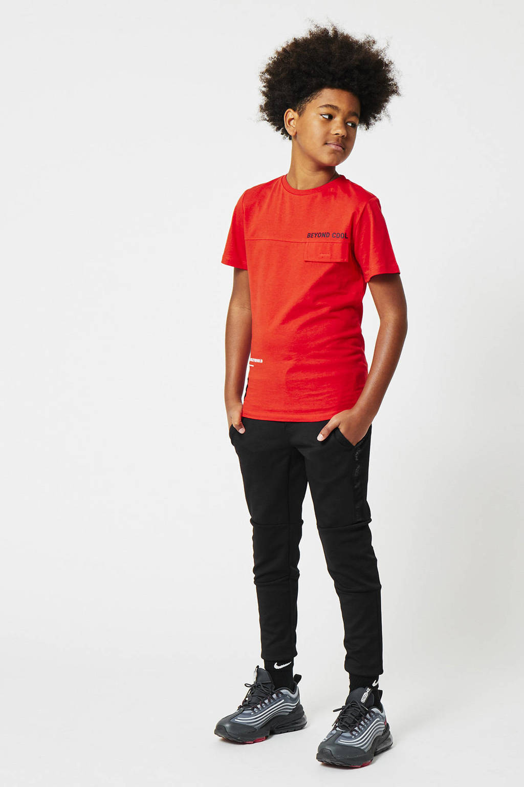 CoolCat Junior slim fit joggingbroek Cedric met tekst zwart, Zwart