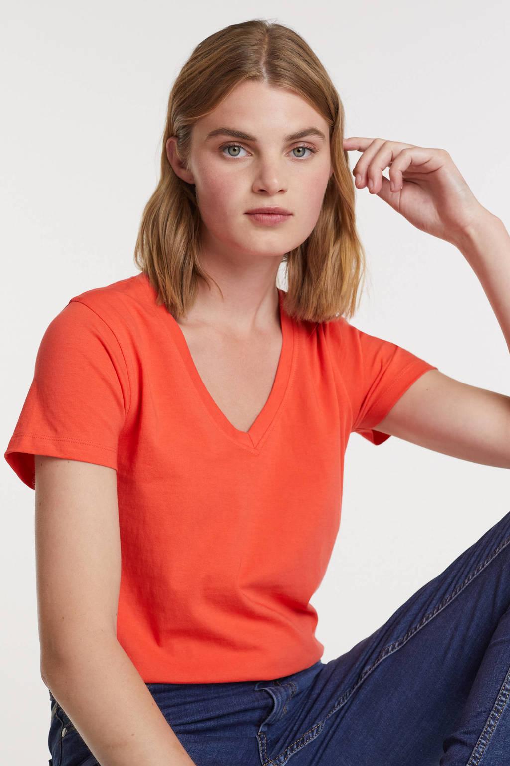 anytime T-shirt v-hals koraalrood, Koraalrood