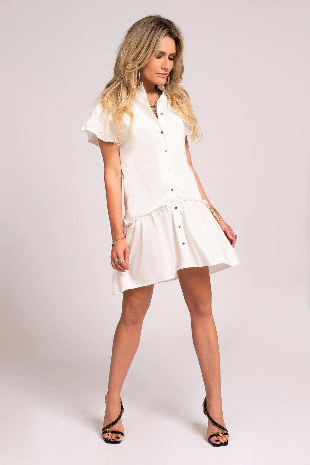 NIKKIE jurk Florike met ruches wit, Wit