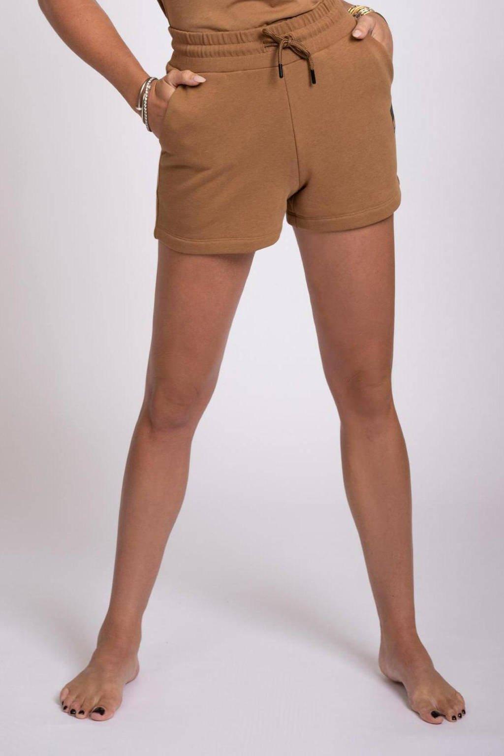 NIKKIE high waist straight fit short N bruin, Bruin