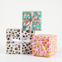wehkamp cadeaupapier panterprint - set van 3 x 5 m., roze/blauw/beige