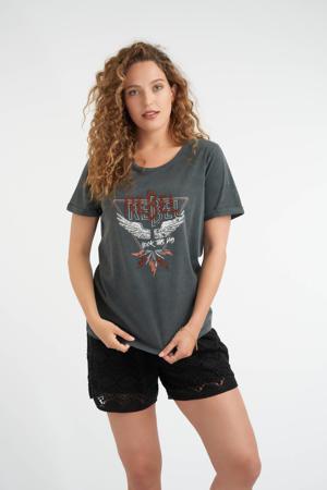 T-shirt met printopdruk en strass steentjes antraciet washed/donkerrood/wit