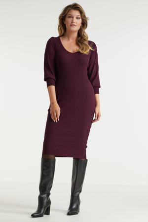 ribgebreide jurk met pofmouwen burgundy