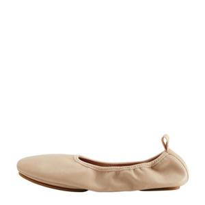 leren ballerina's zand