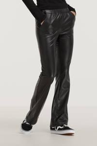 Raizzed imitatieleren flared broek SIMONE zwart, Zwart