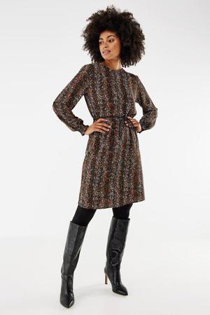 jurk met all over print en ceintuur bruin