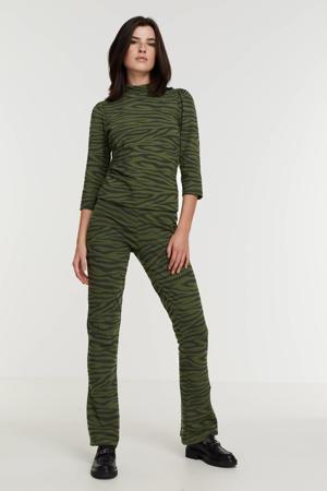 high waist flared broek ONLKASANDRA met zebraprint donkergroen/zwart