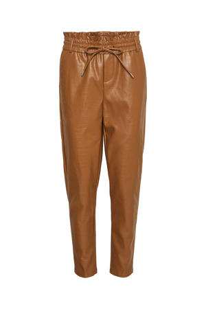 imitatieleren high waist tapered fit broek VMEVA  bruin