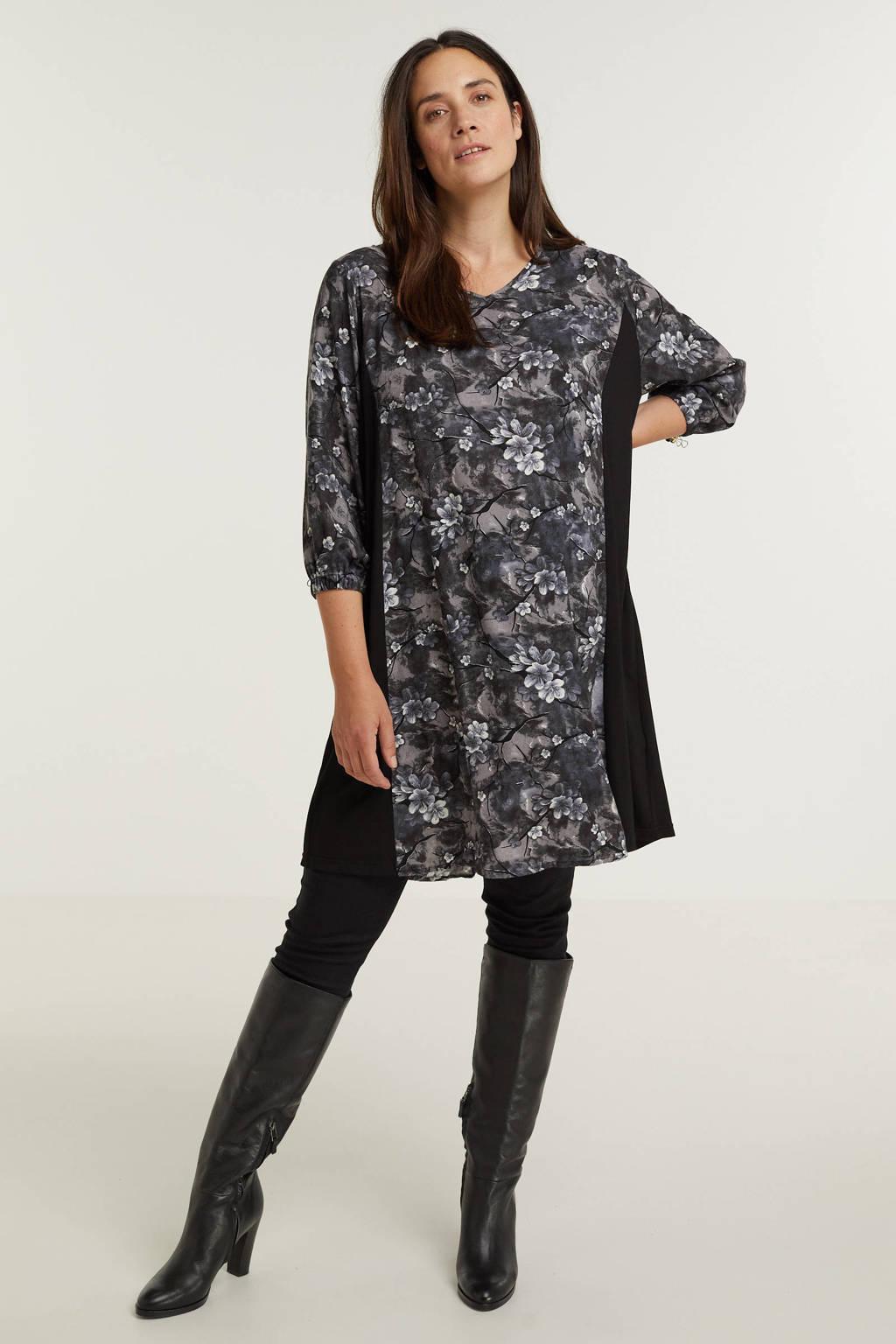 STUDIO gebloemde jurk Emmy  zwart/grijs/paars, Zwart/grijs/paars
