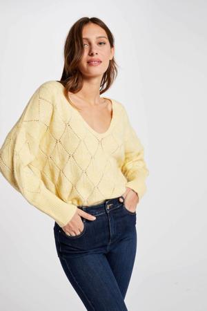 ajour trui met v-hals geel