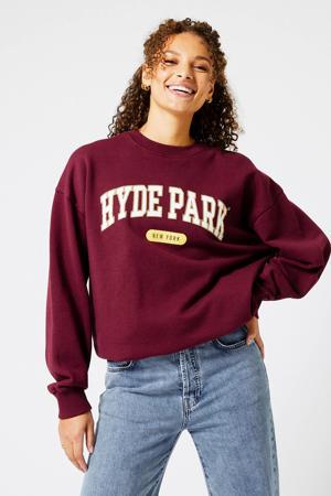 oversized sweater Sadie met tekst bordeaux