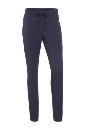 slim fit joggingbroek van travelstof donkerblauw