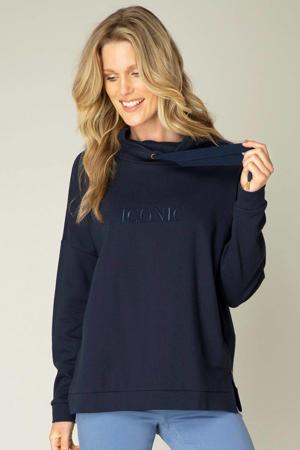 sweater Olimpia met tekst en borduursels donkerblauw