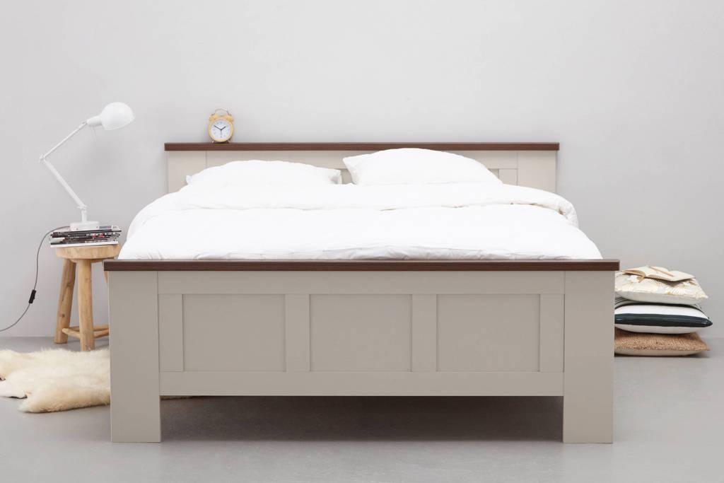 Beter Bed bed  (140x200 cm)