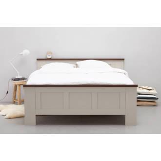 bed  (160x220 cm)