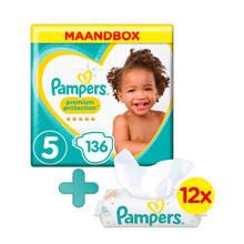 Premium Protection maandbox maat 5 (11-16 kg) 136 luiers + Sensitive babydoekjes