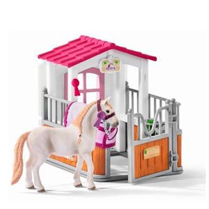 paardenbox met Lusitano merrie