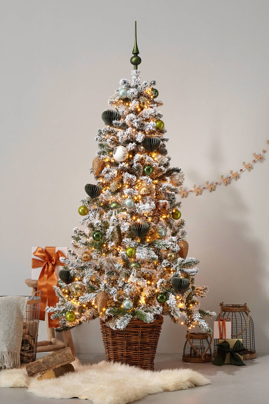 Black Box kerstboom Millington (h185 x ø109 cm), Nee