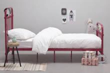 bed Lyon