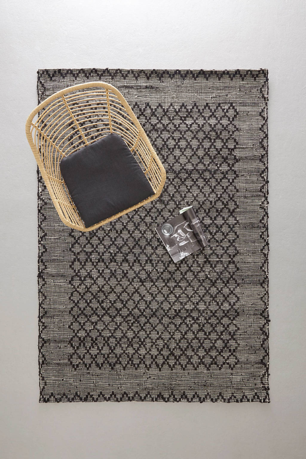 whkmp's own vloerkleed (leer)  (230x160 cm), Zwart
