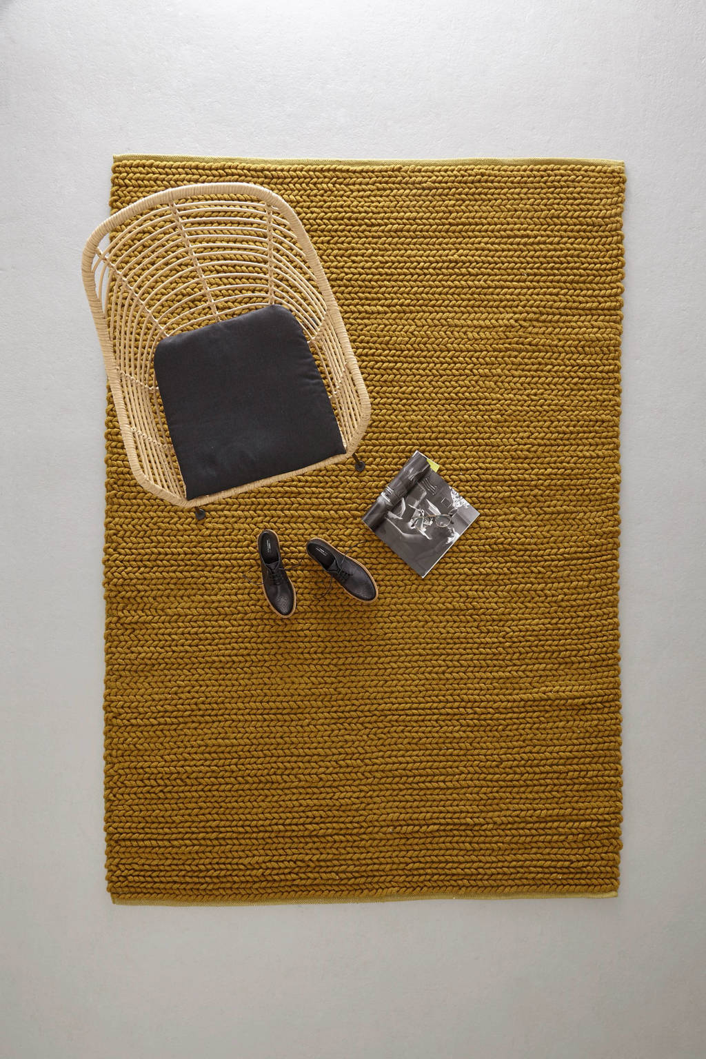 whkmp's own vloerkleed (wol)  (230x160 cm), Okergeel