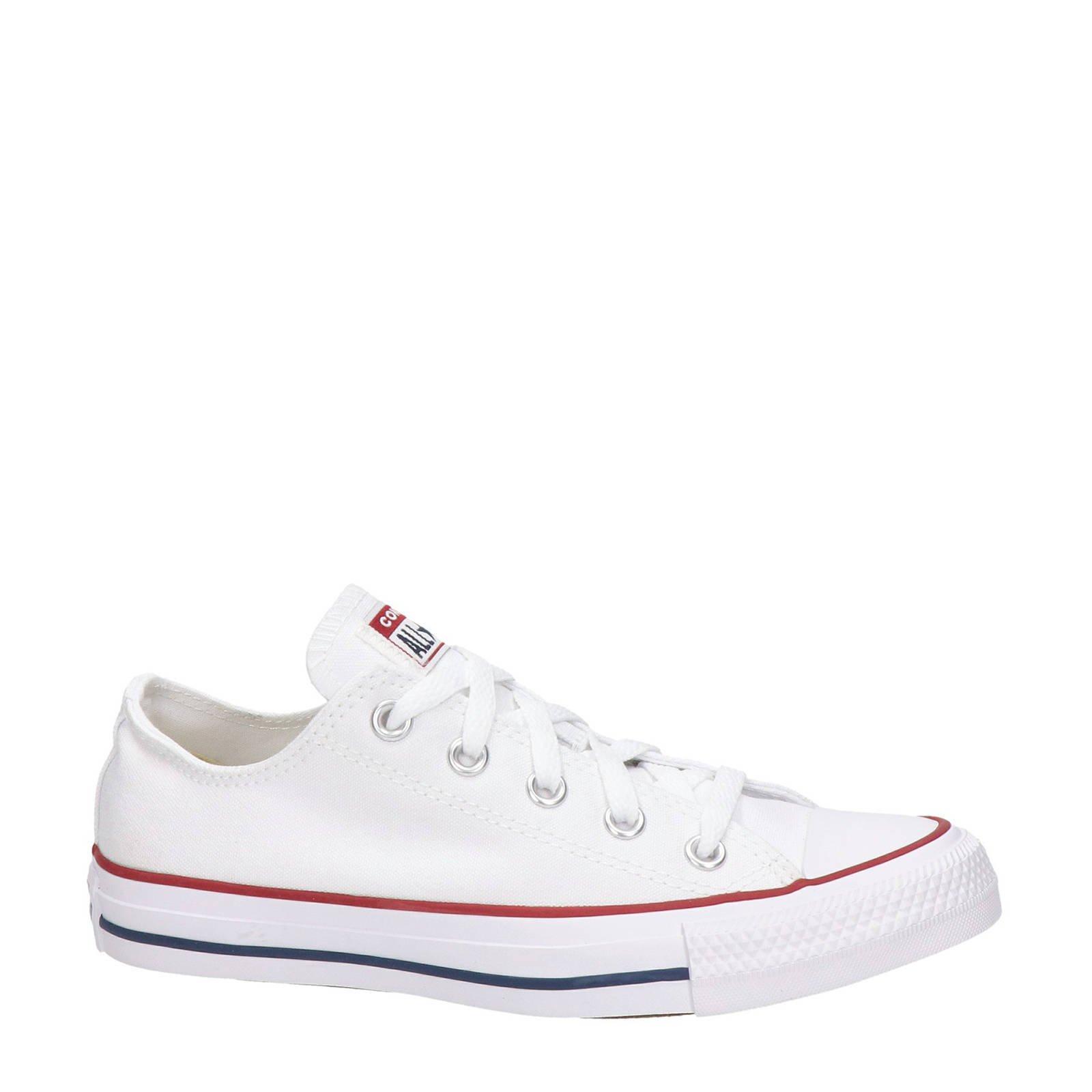 hoe vallen converse sneakers