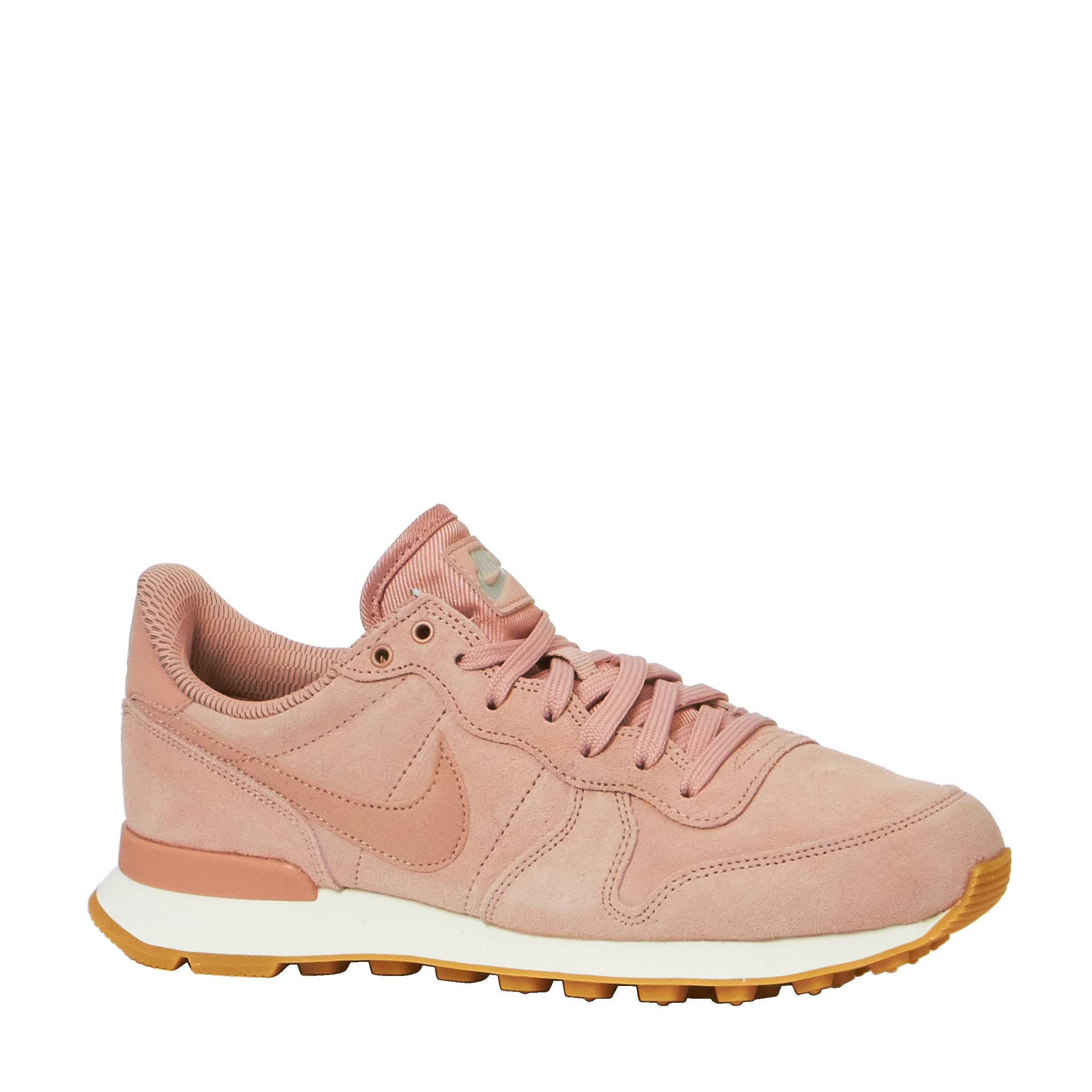 roze nike sneakers internationalist dames