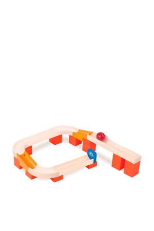 houten tracks en ball knikkerbaan