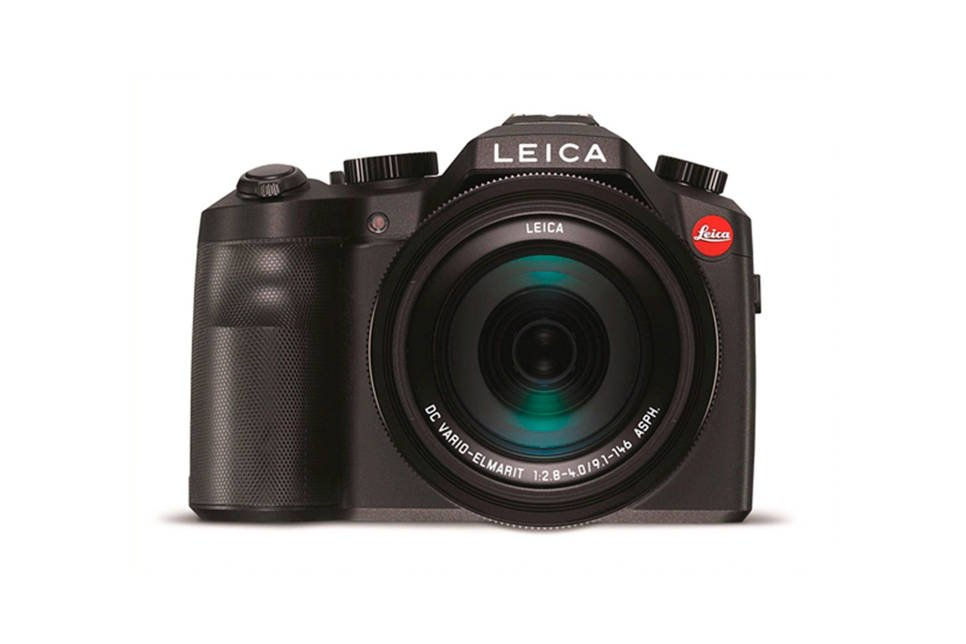 Leica V-Lux (typ 114) superzoom camera