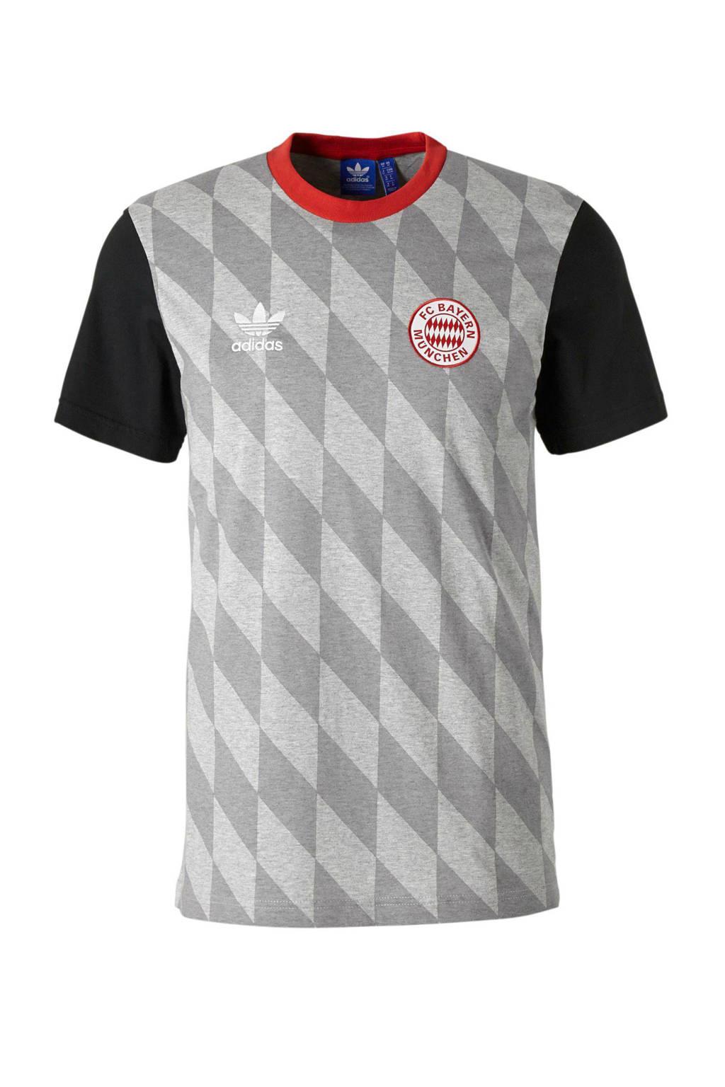 the best attitude 177b2 8e837 Bayern München T-shirt